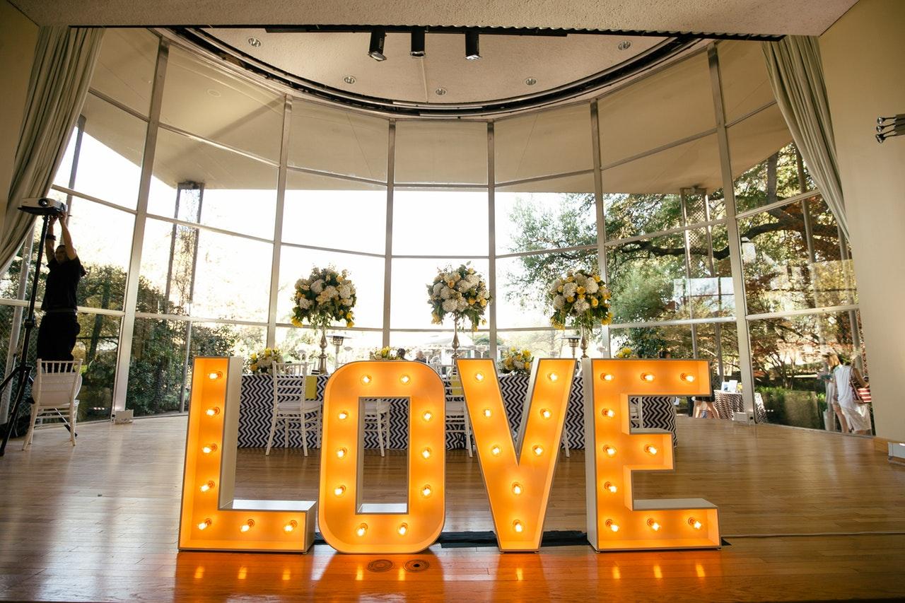LIGHT UP LED LETTERS FOR WEDDINGS IRELAND