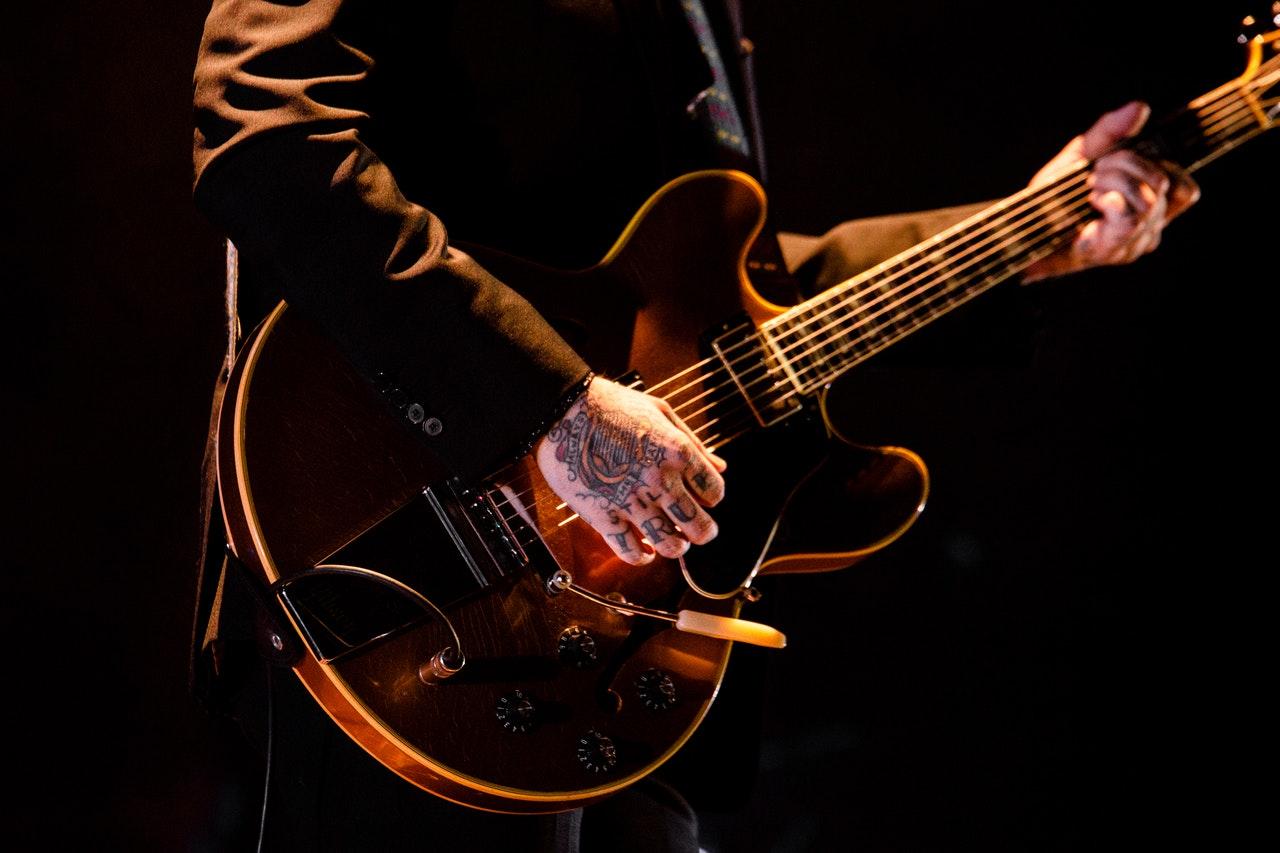 Guitarist Ireland